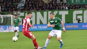 Da li će Demirović uskoro promijeniti klub?