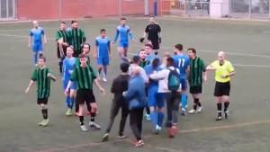"""Nevjerovatna tuča u Španiji: Igrači """"zakuhali"""", a onda na teren utrčali navijači"""