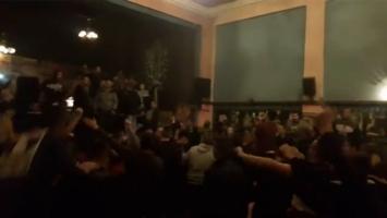 Vatreni navijači Sarajeva se 'zagrijavali' za derbi