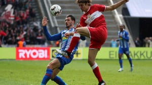 Stuttgart i HSV nastavljaju borbu za Bundesligu, Heidenheim ih prati u stopu
