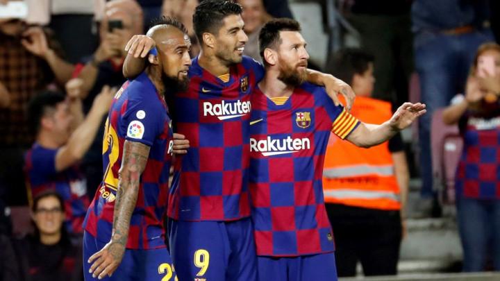 Barcelona razbila Sevillu na Camp Nou, majstorije Suareza i Messija