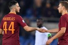 Hendikep za Romu, Manolas mora na pauzu