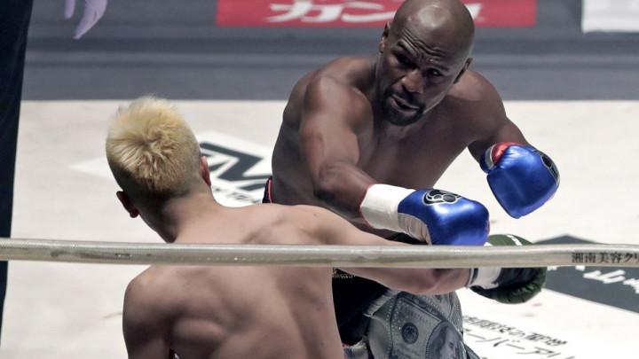 Teškaš je izdržao 30 sekundi s Floydom u ringu: Samo je rekao da mu donesem opremu...