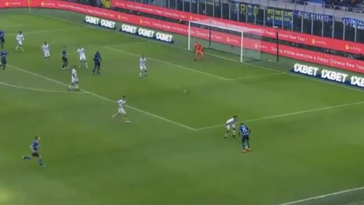 Ni VAR nije pokvario sjajan početak Ashleyja Younga u Interu