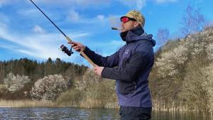 Štap za pecanje, kubanka, ribarsko odijelo...: Prepoznajete li nestašnog dečka evropskog fudbala?