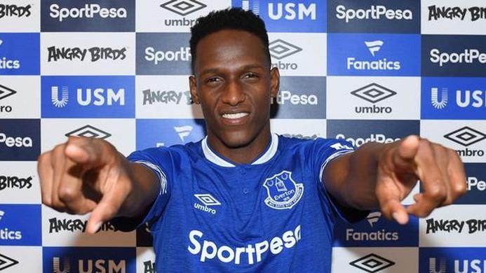 Barca može vratiti Minu, ali je Everton briljirao sa stavkama u ugovoru