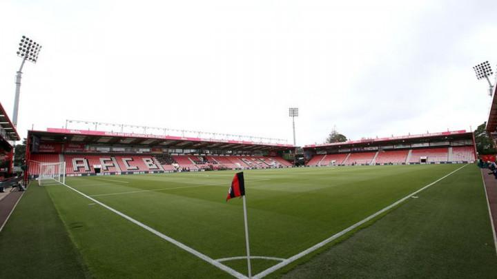 Engleski klub potvrdio: Jedan od dva zaražena igrača dolazi iz naših redova