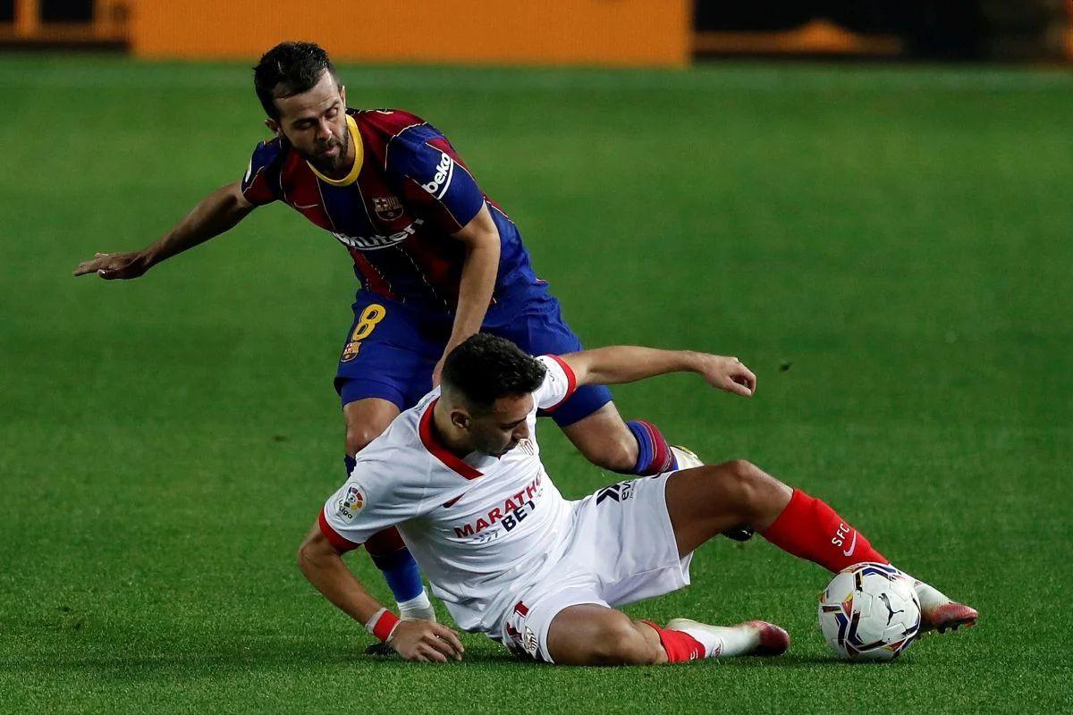 Miralem Pjanić igra od prve minute za Barcelonu protiv Ferencvaroša