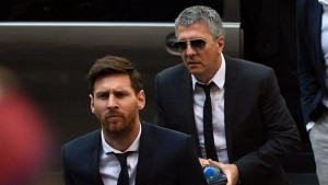 Uzbuna u Barceloni, Messijev otac stigao u Milano na pregovore