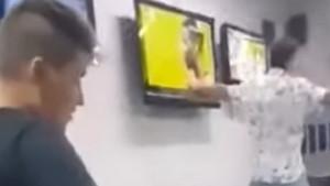 Makedonac čekao Manchester za 11.000 eura, razbio TV nakon Pogbinog promašaja