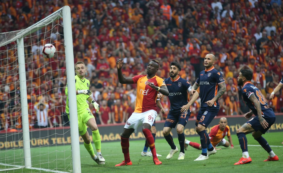 Bašakšehir se raspao i prepustio titulu prvaka Galatasarayu