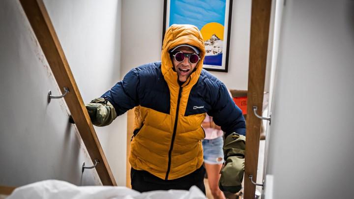 Unatoč paralizi bivši ragbi igrač savladao visinu Mont Everesta penjući se uz stepenice
