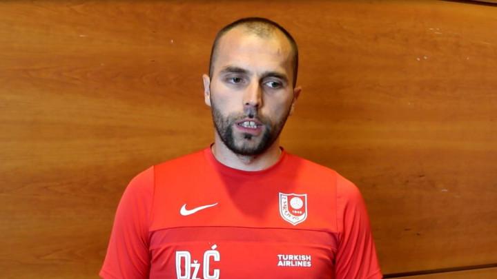 Dženis Ćosić: Zadovoljni smo kako igrači rade na pripremama, većina će igrati danas