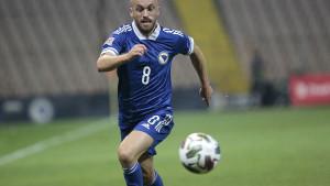 Velikan ne odustaje od njega: Edin Višća čeka transfer