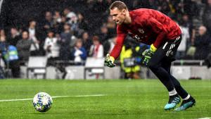 Manuel Neuer: Žao mi je Llorisa