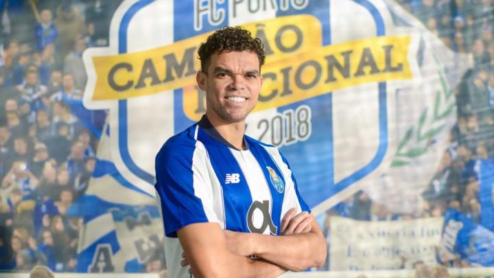 Kod kuće je najljepše: Pepe se vratio u Porto!