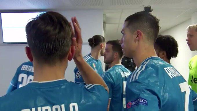Snimak iz tunela Lyonovog stadiona: Ronaldo i Dybala u razgovoru kritikovali Pjanića i saigrače