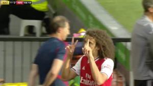 Igrač Arsenala gestikulacijom provocirao navijače Watforda, ali je sada predmet ismijavanja