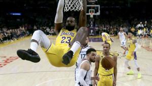 James i Davis vodili Lakerse do pobjede protiv Memphisa