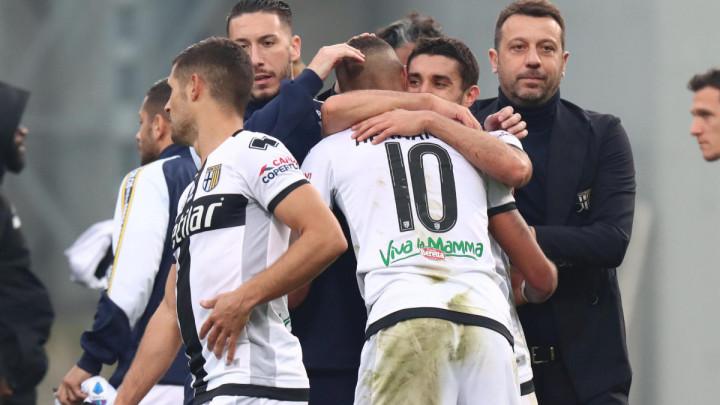 Parma dvojicu pozitivnih vratila u karantin, ostatak će nastaviti s treninzima