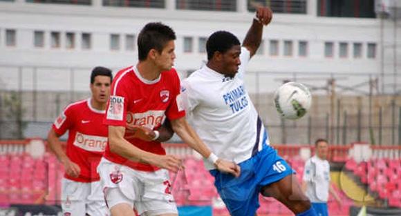 na_stadionu_u_rumuniji_preminuo_mladi_nigerijski_nogometas_181859_85469_big.jpg