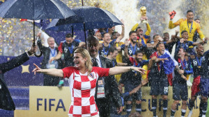 Hrvatska predsjednica se gurala i ugurala u album sa sličicama