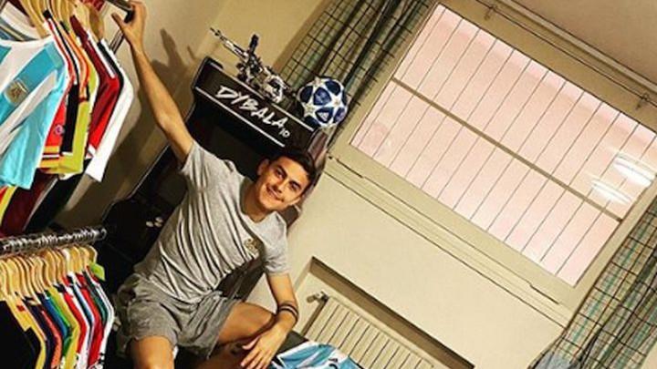 Dybala šokirao svoje fanove kada je pokazao kolekciju dresova koju posjeduje