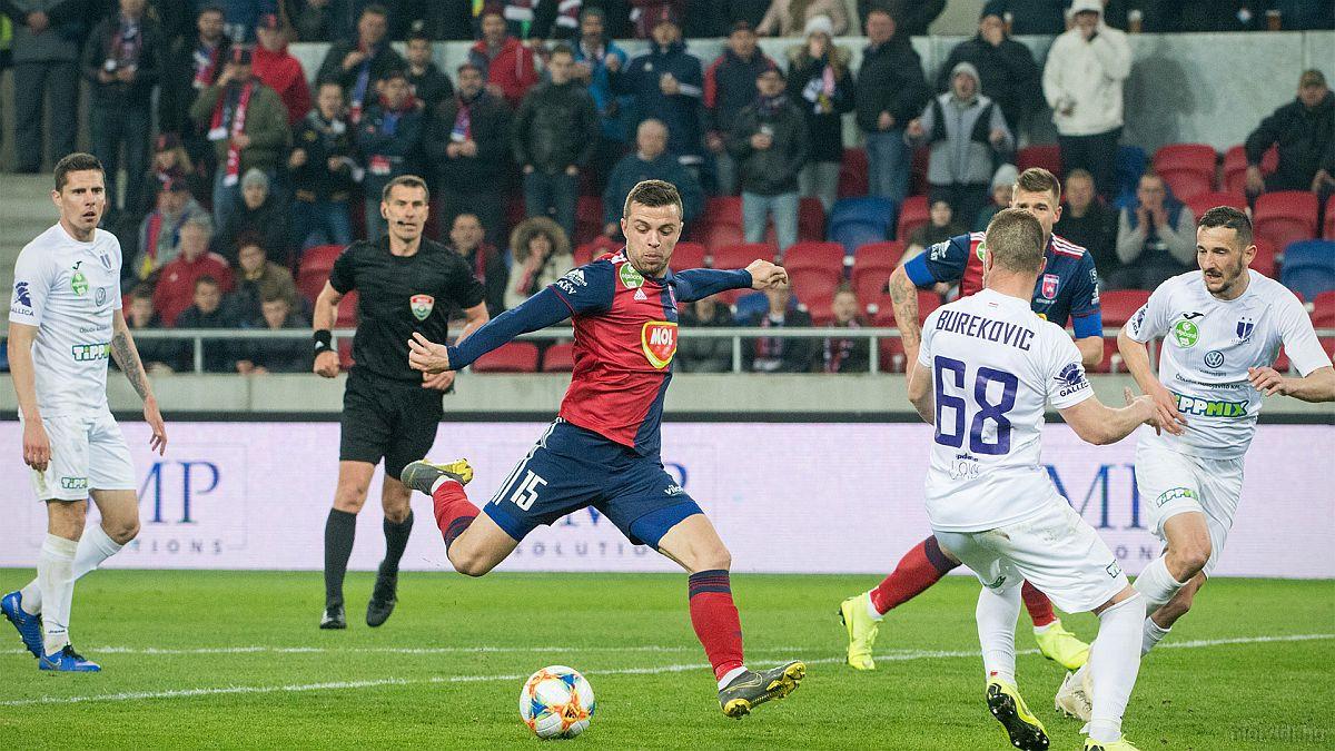 U pravo vrijeme na pravom mjestu: Pogledajte Hodžićev gol u derbiju mađarskog prvenstva