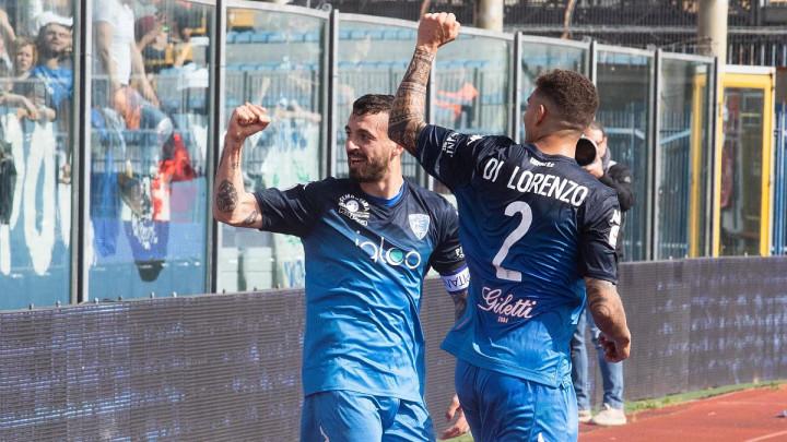 Ljekarski pregledi zakazani za četvrtak: Da li će Napoli konačno ozvaničiti jedan transfer?