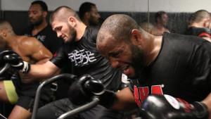 DC iz šampionskih MMA rukavica među kečere?
