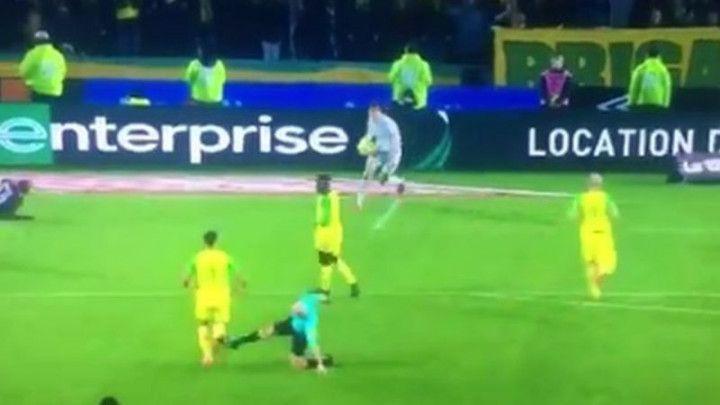 Sudija kažnjen nakon što je udario igrača Nantesa