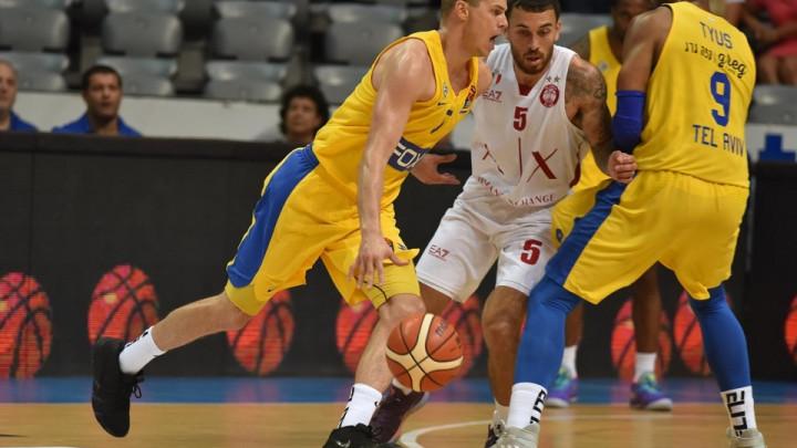 Emporio Armani slavio protiv Maccabija