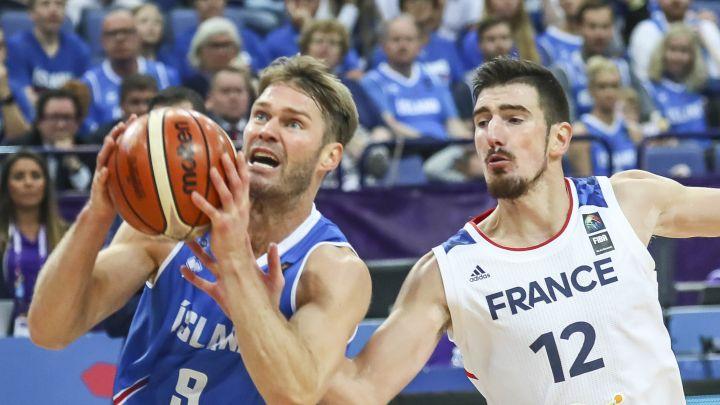 Francuzi držali časove košarke Islanđanima