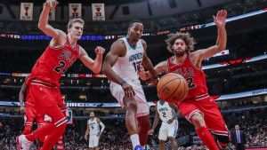 Charlotte lagano kući protiv Chicaga, LeBron presudio Brooklynu