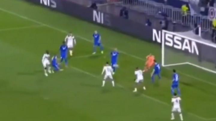 Prvi gol Lyona protiv Hoffenheima je pravi cirkus