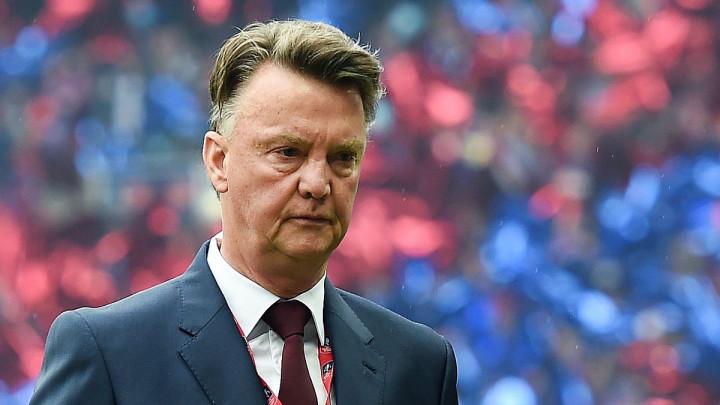 Van Gaal ošamario Van Persieja, pa dobio žestoku opomenu: Probaj to još jednom...