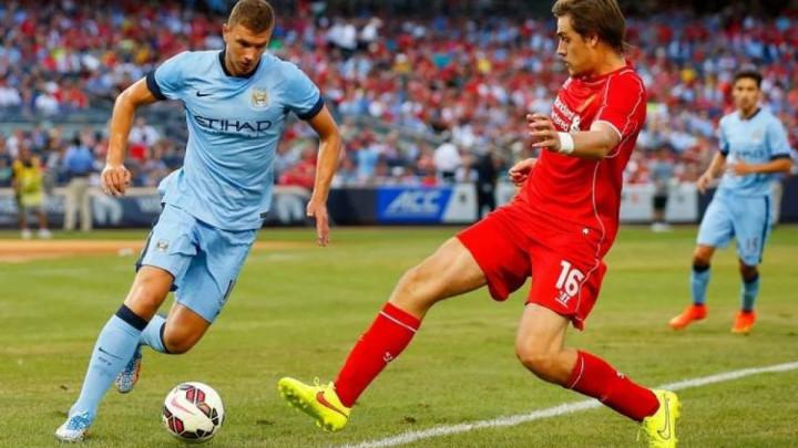 Bivši igrač Liverpoola u tri utakmice uspio skriviti tri penala, zabiti dva autogola i dobiti crveni