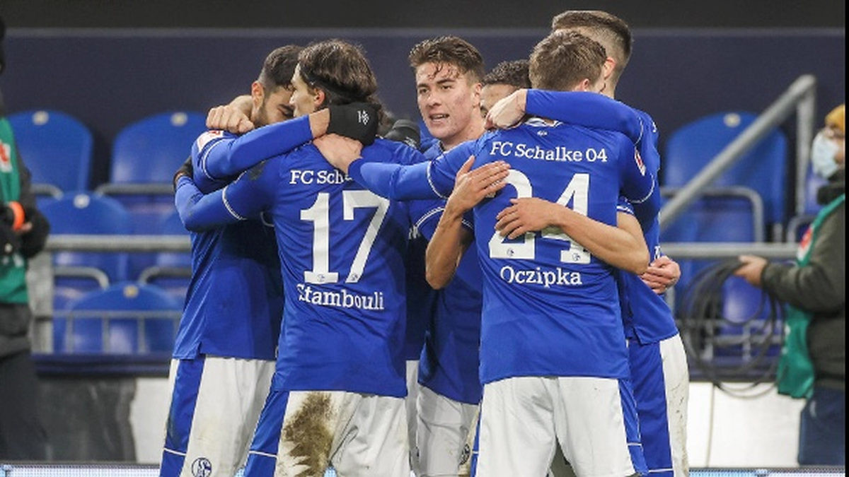 U Berlinu slave jer im Schalke nije oteo titulu najgore ekipe u povijesti Bundeslige