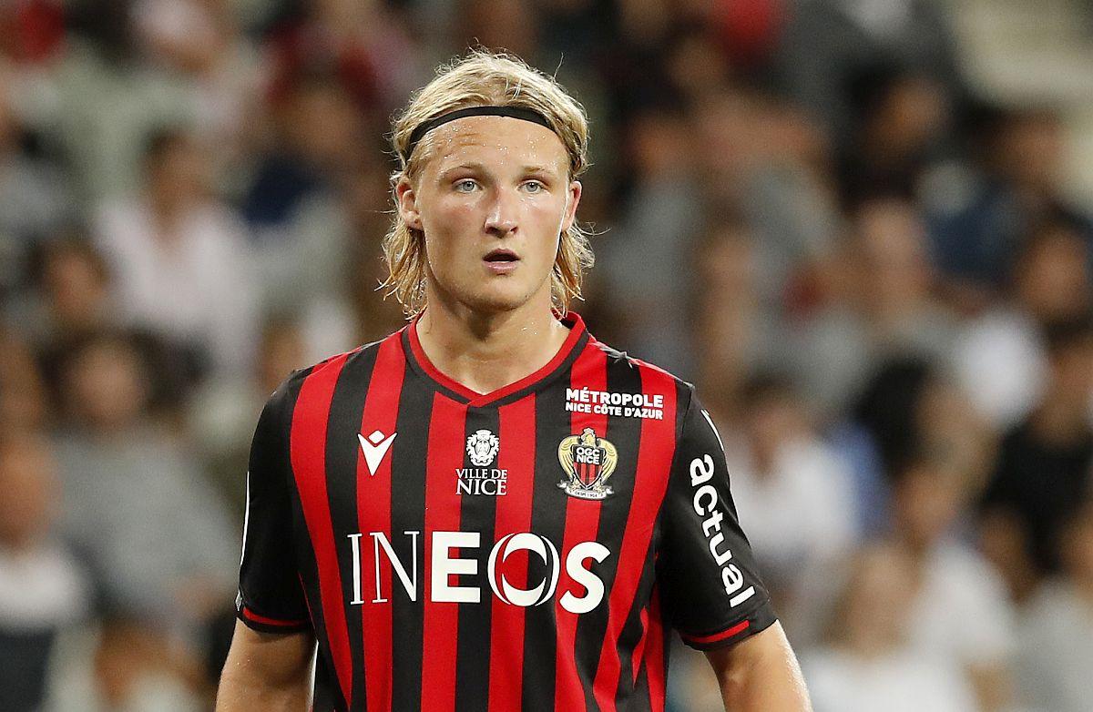 Oglasio se mladi fudbaler koji je ukrao sat Kasperu Dolbergu