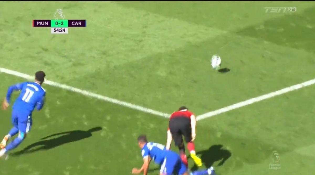 Očajna odbrana Uniteda poklonila gol Cardiffu koji je povećao prednost