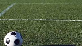 Bh. nogometni tereni su posebna priča: Davljenje sudije, šamar, pa prekid...