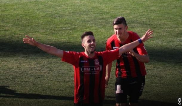 Osam golova u Zenici, Široki otpada iz trke za titulu?