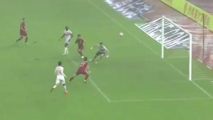 Bivša zvijezda Premier lige postigla najčudniji gol ikad