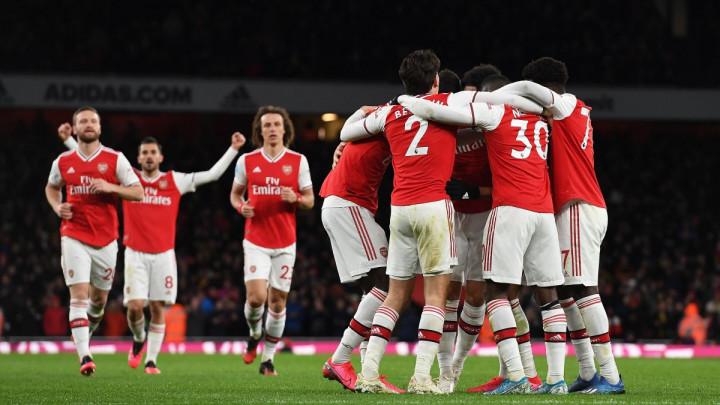 Pored imena samo nule: Fantomsko pojačanje Arsenala