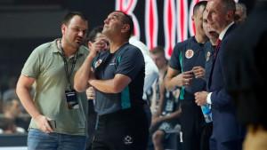 Prekinut derbi Partizan - Zvezda jer je u dvoranu udario grom