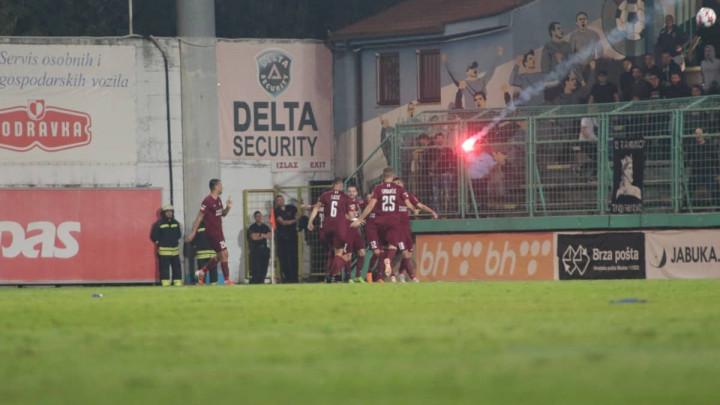 Hebibović pogodio za 1:2, a onda Škripari bakljama gađali igrače Sarajeva