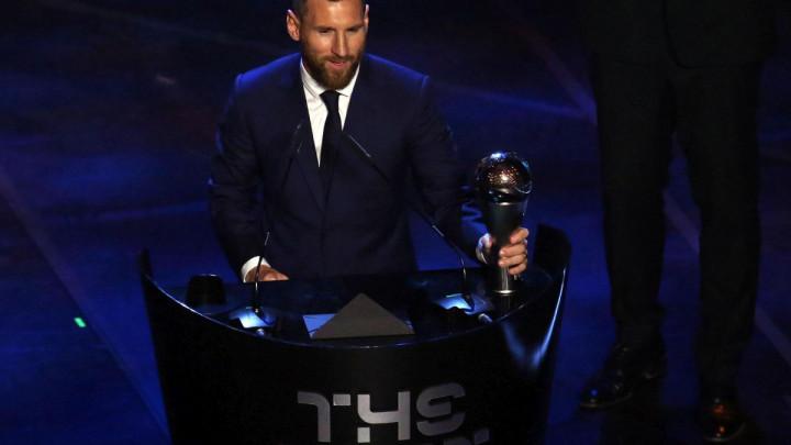 Zlatna lopte nema, ali zato FIFA ne odustaje