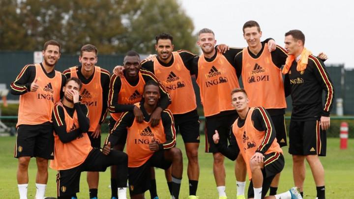 Belgijanci objavili fotografiju s treninga, a nisu vidjeli da je Mertens pokazao stražnjicu