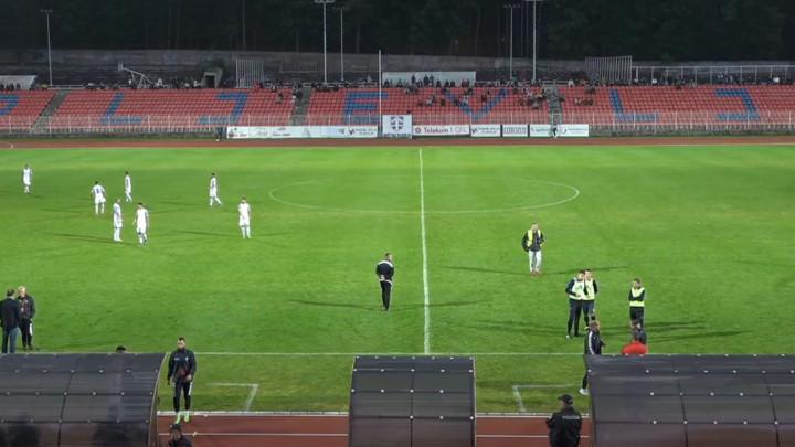 Meč u Crnoj Gori se ne igra jer je na tribinama previše gledatelja!