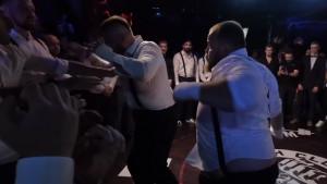 Ruski kralj šamaranja debitovao u boksu bez rukavica: Jadni protivnik je bježao da spasi živu glavu